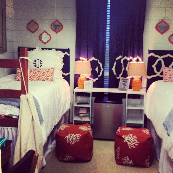 Decorating The College Dorm Room: Guys Vs. Girls - OhBoyMom